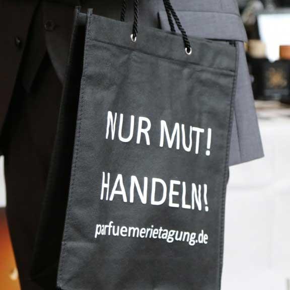 Frischer Wind im Parfümhandel. Artikel zur Parfümerietagung 2018, handelsjournal.de, 19.04.2018